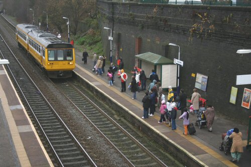 then collects the passengers waiting for the 1408 to Liverpool Lime Street on the opposite platform
